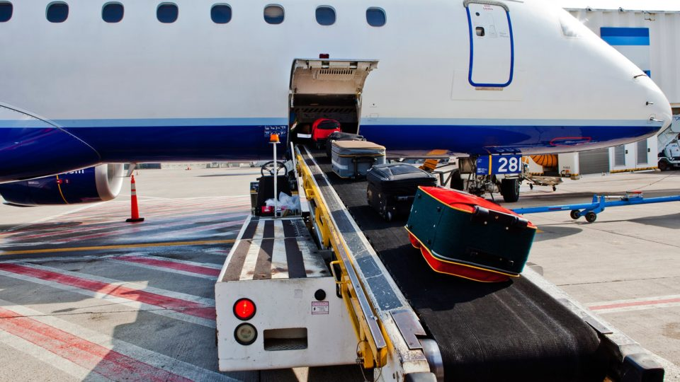 luggage-loading-plane-GettyImages-458222325
