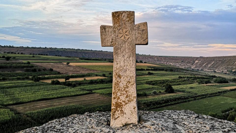 cross-on-hill-1024x670